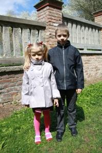 Julia Putas i jej starszy brat Olech