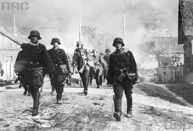 Waffen-SS zamordowało w Ochotnicy Dolnej 56 Polaków /Z archiwum Narodowego Archiwum Cyfrowego/