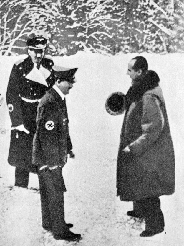Adolf Hitler i Józef Beck - zimowe spotkanie /RIA Novosti /East News/