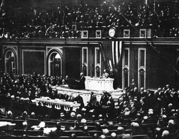 Prezydent Woodrow Wilson przemawia w Kongresie Stanów Zjednoczonych /Hulton Archive /Getty Images/
