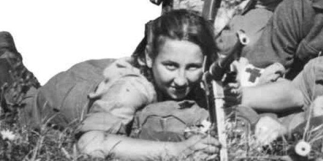 """3 sierpnia 1946 r., Wojskowy Sąd Rejonowy w Gdańsku wydał wyrok śmierci na niespełna 18-letnią Danutę Siedzikównę, pseudonim """"Inka"""", sanitariuszkę 5 Wileńskiej Brygady AK."""