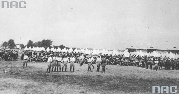 Obóz dla ochotników do Armii Polskiej w Niagara w Kanadzie /Z archiwum Narodowego Archiwum Cyfrowego/