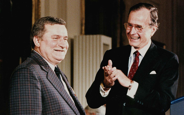 Lech Wałęsa i ówczesny amerykański prezydent George Bush /AFP/