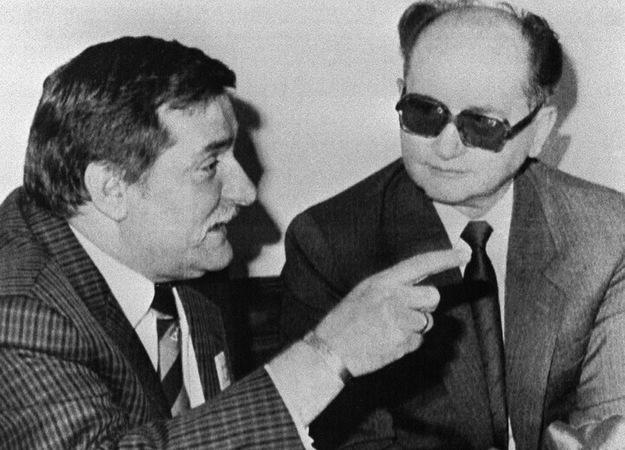 Lech Wałęsa i Wojciech Jaruzelski. Zdjęcie z 1989 roku /AFP/