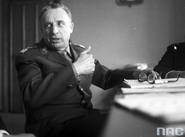 Marszałek Marian Spychalski. Zdjęcie z 1965 roku /Z archiwum Narodowego Archiwum Cyfrowego/
