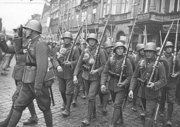 Zajęcie Zaolzia. Wkroczenie wojsk polskich do Czeskiego Cieszyna /Z archiwum Narodowego Archiwum Cyfrowego/