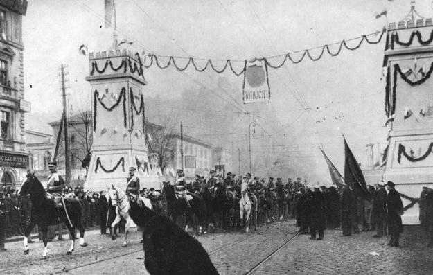 Wkroczenie Legionów Polskich do Warszawy - 1 grudnia 1916 r. /Ze zbiorów Narodowego Archiwum Cyfrowego/