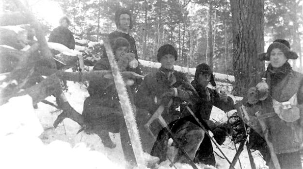 Deportowani 10 lutego 1940 roku z Kolonii Sobótka. Zdjęcie pochodzi ze strony http://www.ipn.gov.pl/